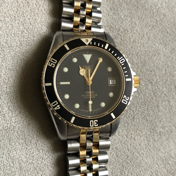 sports shoes 322cc 2d73c TAG Heuer 1000 Professional Diver Watch 200 meters